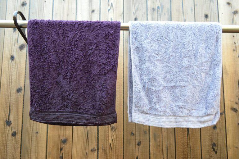 脱水後のタオルを干す